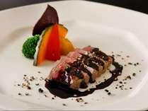 牛フィレ肉のグリル マデラ酒ソース