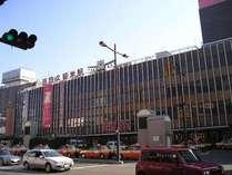 西鉄久留米駅まで徒歩3分☆1階には23時まで営業のスーパーがあり便利です
