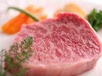 【但馬牛サーロインステーキ】サシが細かく入り、口の中でトロけて旨みがにじみでます!