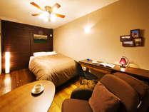 ■ダブルベッドルーム■テンピュールベッドを独り占め♪広々お休みいただけるのが魅力♪