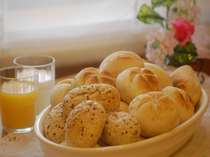 種類豊富な朝食のパン