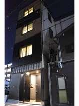 京都駅東口徒歩8分です