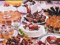 日替わりで12種用意される食べ放題のケーキ・デザート。わくわくのバイキング^^