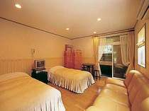 ルナ館 ツイン フォレストビューの芦野石造り露天風呂付き客室一例(2階)