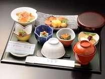 ◇ご朝食◇大阪 なだ万の和朝食。白ご飯または白がゆをお選びいただけます。