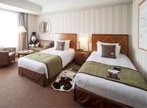 帝国ホテル大阪オリジナル「ドアマン・スヌーピー」と一緒にご宿泊いただけます。