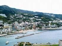 海側から見た熱海市内 昼の景色