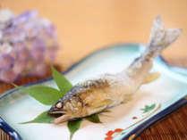 【ご夕食一例】季節の焼き魚。当館でお出しするのは「川魚」です