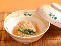 【ご夕食一例】竹取秘伝のだしを使用した煮物。やさしい味が染み渡ります
