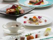 ポイントUP【ワンランク上の贅沢】オマール海老とちょっと贅沢な食材がコラボトレコローネコースプラン