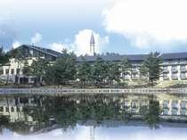 レークホテル外観・湖畔側