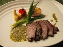 【肉料理】国産牛腿肉の紫蘇ソース
