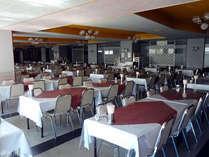 *お食事は大食堂にてお召し上がり下さい。