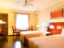 ●ガーデンツイン お部屋にシーリングファンがついた程よいサイズのお部屋