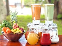 朝食 フレッシュ野菜&フルーツのスムージー