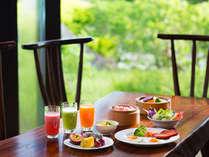 マカンマカンでヘルシーな朝食バイキング