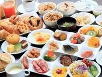 朝食は和洋バイキング。6:30オープン。お好きなものをお好きなだけ。大人1,000円 小学生500円
