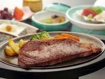 【夕食】津軽たにかわ愛情牛をステーキ(200g)鉄板焼きでどうぞ♪