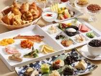 【朝食】健康的な60種類以上のメニューが並ぶ朝食ビュッフェ