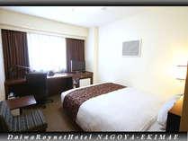スタンダードダブル&シングルルームは18平米でワイドダブルベッドを設置!最もお値打ちなお部屋です!