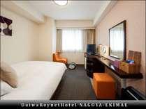 【レディースルーム】部屋の広さ20平米、ベッド幅140cm