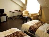 ペットルームは洋室ツインタイプ【禁煙】お部屋には1100×600のペットケージのご用意がございます