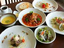 島の食材を使ったイタリアンディナーコース一例。内容は時期により変わります。