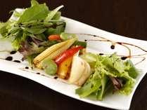 こだわり地野菜を使用した創作料理
