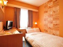 【セミダブル一例】 12平米、120cm幅のセミダブルベッドを仕様しております。