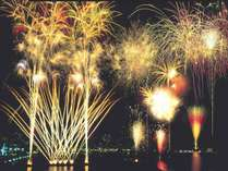 7月の花火の日は28、30、31。イベント会場まで3分。8月もあるよ!ぜひダイナミックな音響も楽しんで!