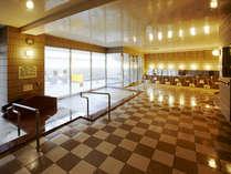 三重城温泉 島人の湯 露天風呂、水風呂、うたせ湯、全身シャワー、サウナを完備。