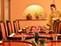 落ち着いた雰囲気の個室で家族揃ってのお食事にぴったり