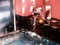 ロワジールスパタワー那覇 海人の湯 シーサーから出る源泉温泉(加温)