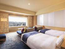 【特別フロア唯一の4名様定員客室/素泊まり】足元に広がる水鏡。「和」を感じさせる42平米<禁煙>