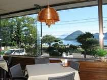 洞爺湖を一望できるレストラン