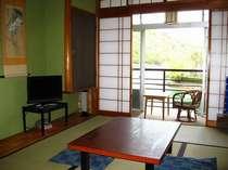 浜名湖のよく見える落ち着いた和室でおくつろぎ下さい