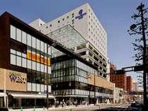 丸亀町グリーン8階にフロントがございます!ショッピングやお食事にアクセス便利
