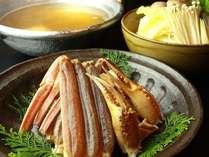 大きなカニ、丹後産野菜、京の名工のダシ、こだわりが詰まったカニすき鍋です!