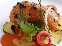 色鮮やかと美しさ、お料理の温かさにもこだわっておりアツアツのお料理を供するべく努力しております。