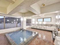 *男性用浴場●本館9階にある「眉山」徳島のシンボル眉山を眺めながらおくつろぎいただけます。