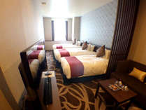 【スタンダードツイン プラス】幅120cmのツインベッドと幅97cmのハイダーベッドをプラスしたお部屋です。,大阪府,ホテル・ラ・レゾン大阪(3月1日~クインテッサホテル大阪ベイ)