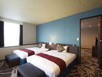 【コーナースイート】ベッドルーム幅140cmのシモンズベッドで上質な眠りを。,大阪府,ホテル・ラ・レゾン大阪(3月1日~クインテッサホテル大阪ベイ)