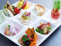 色とりどりの80種類の朝食ブッフェをお楽しみください。,大阪府,ホテル・ラ・レゾン大阪(3月1日~クインテッサホテル大阪ベイ)