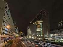 大阪駅前 夜