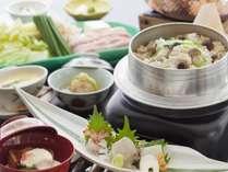 得々プラン料理写真 お席ごとに30分かけて炊き上げる季節の釜飯付き