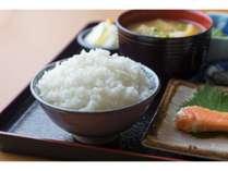 朝定食 武川米のご飯おかわり自由です。