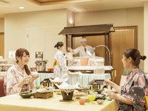 【南部曲り家会席】和会席と屋台コーナーや旬のお料理の食べ物コーナーがございます。