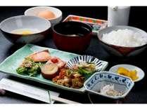 【朝食】和朝食 800円(税別)