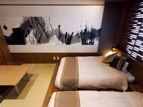 【和モダン】寝心地の良いツインのローベッドを配したお部屋
