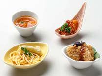 【ル・マッターホルン】<イタリア料理>ペペロンチーノ、ミラノカツレツなど(夕食一例)
